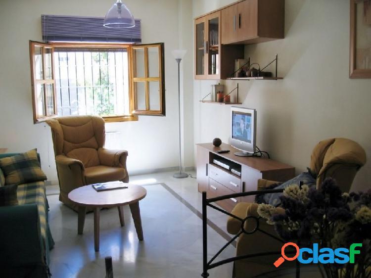Apartamento de piso de 1 dormitorio en el centro de Granada