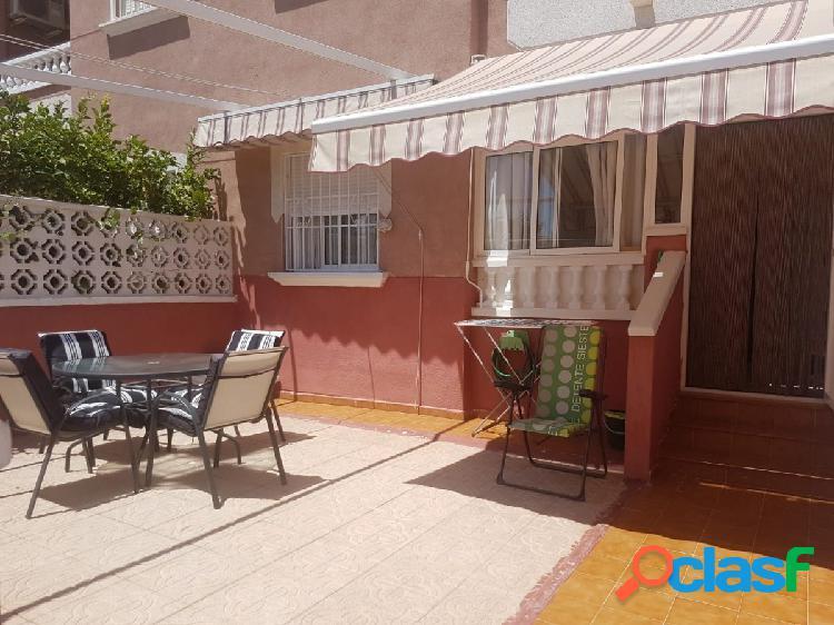 Apartamento en planta baja con 30 m2 de patio en La Mata