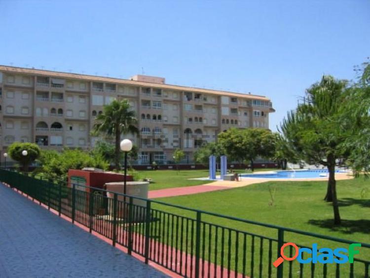 Apartamento en urbanizacion privada con piscina y amplias