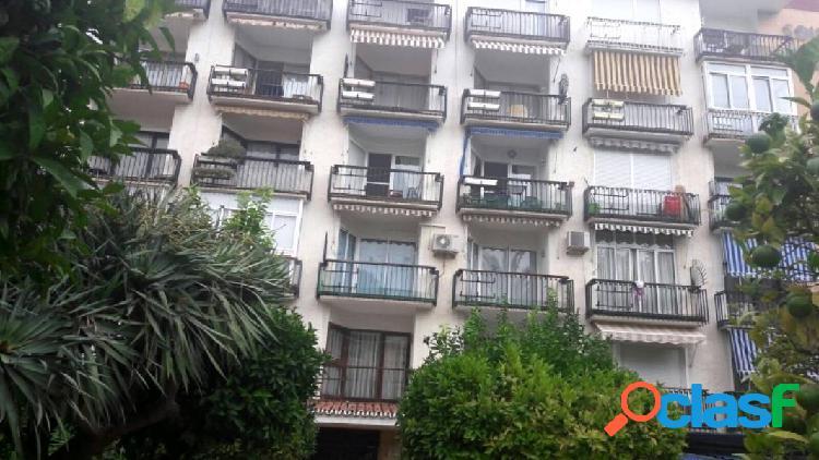 Apartamento para reformar, situado en Torremolinos, frente a