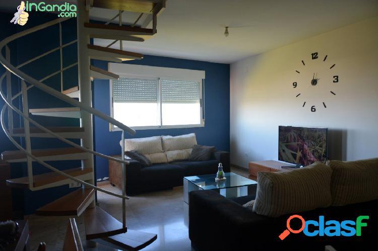 Atico duplex en Beniarjo, 3 habitaciones, 2 salones, 3