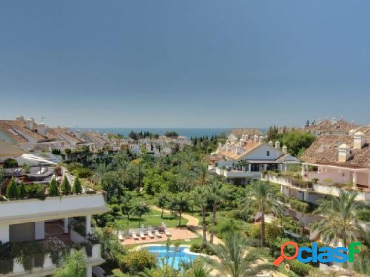 Atico duplex en venta en la Milla de Oro de Marbella.