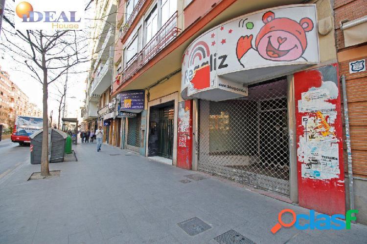B5925. Gran local comercial en la mejor zona de Camino De