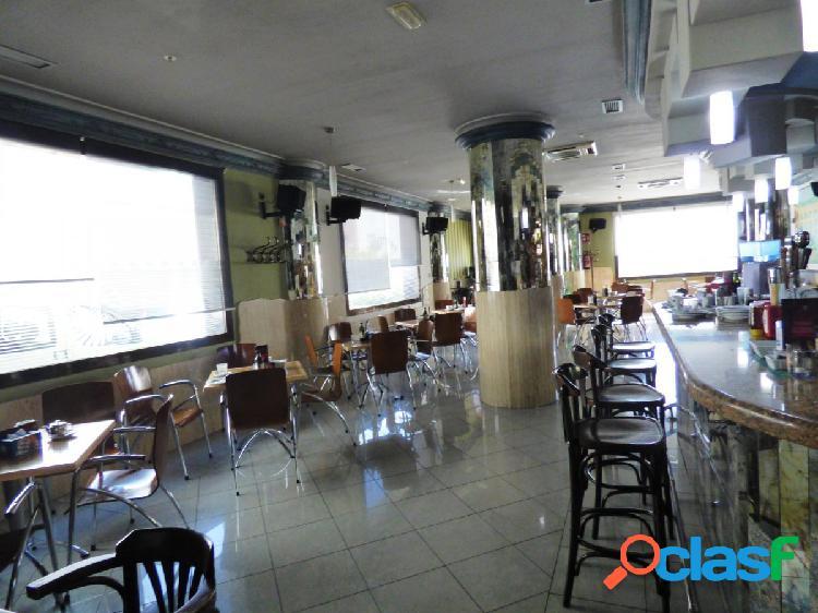 Bar En funcionamiento en la Gangosa