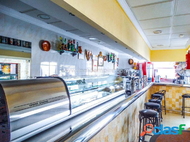 Bar en primera línea de playa en Benidorm