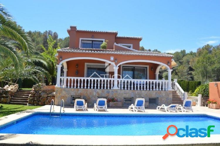 Bonita Villa en venta en Javea cerca de la playa del arenal,