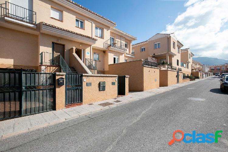 Bonita casa en el Barrio de Monachil (Urbanización Los