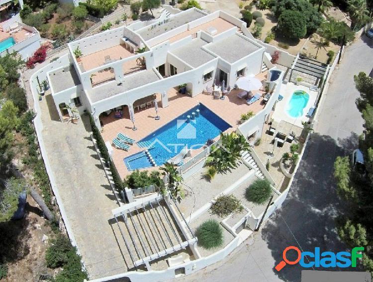 Bonita villa con bonitas vistas al mar en Moraira, ideal