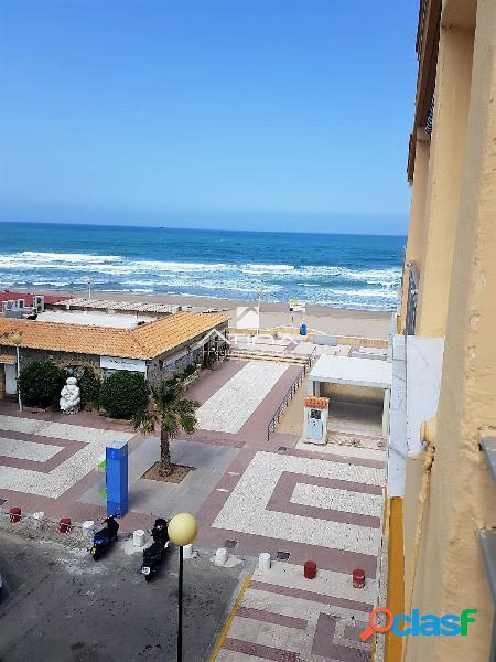 Bonito apartamento con maravillosas vistas al mar situado en