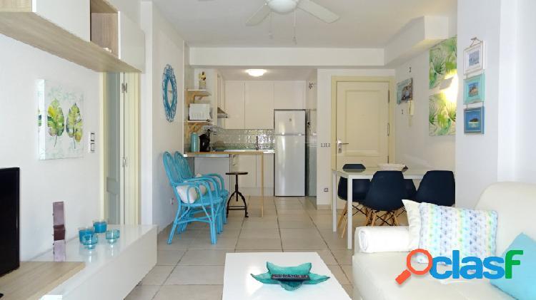 Bonito apartamento reformado en estilo vintage cerca de la