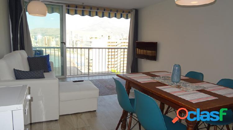Bonito apartamento totalmente reformado con vistas al mar.
