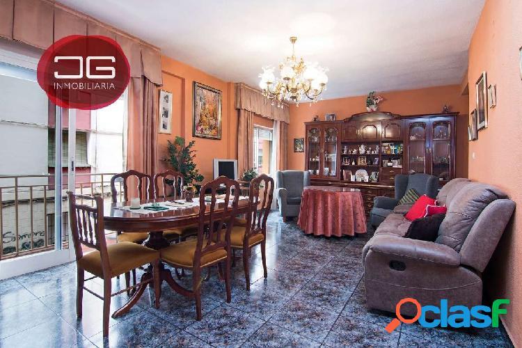 Bonito piso actualizado en el barrio del Zaidín junto al