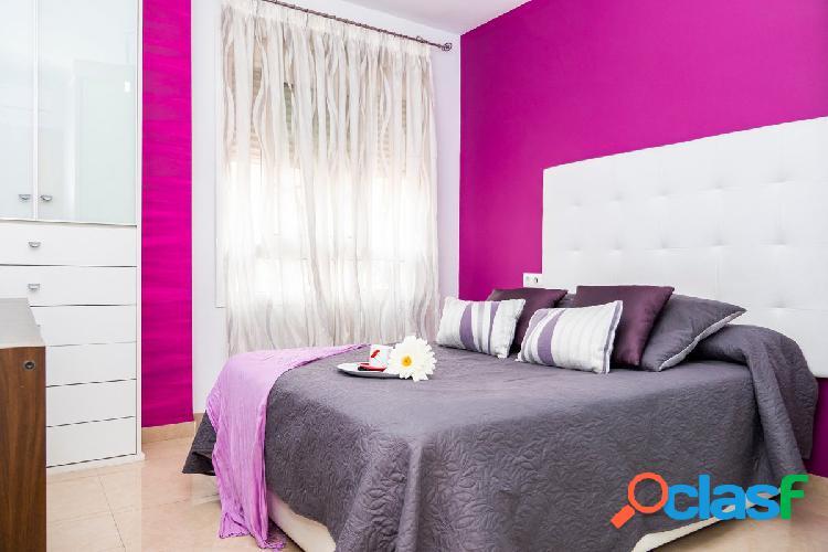 Bonito piso en el Parador de Roquetas. 2 dormitorios.