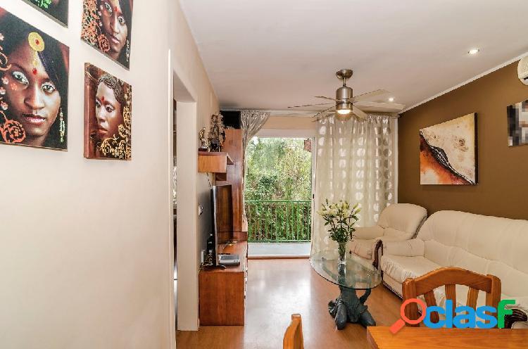 Bonito piso en la exclusiva urbanización Vallpineda, a 10