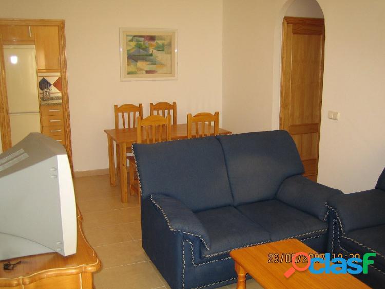 Bonito y coqueto piso de dos dormitorios junto a la playa de