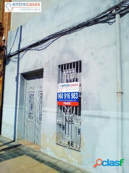 CASA PARA DERRIBAR EN AVENIDA NUEVE DE OCTUBRE