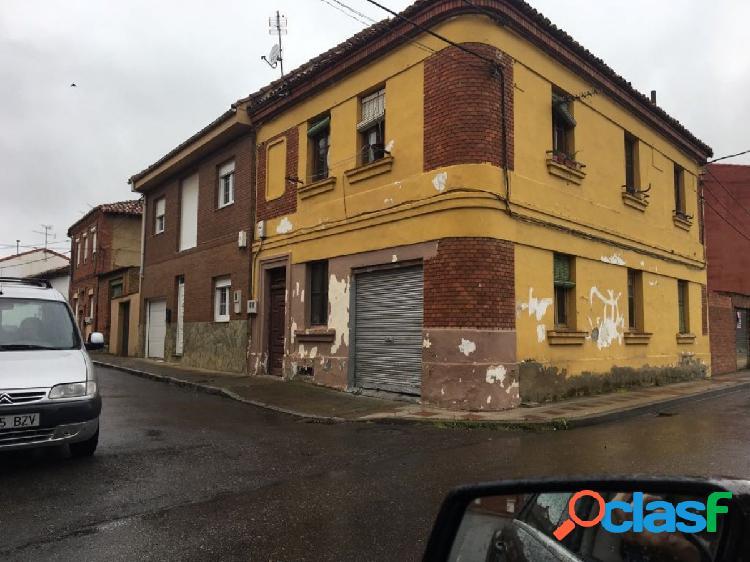 CASA PARA REFORMAR DE DOS PLANTAS
