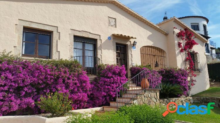 CASTELL D'ARO-PLATJA D'ARO. Casa en venta con vistas y