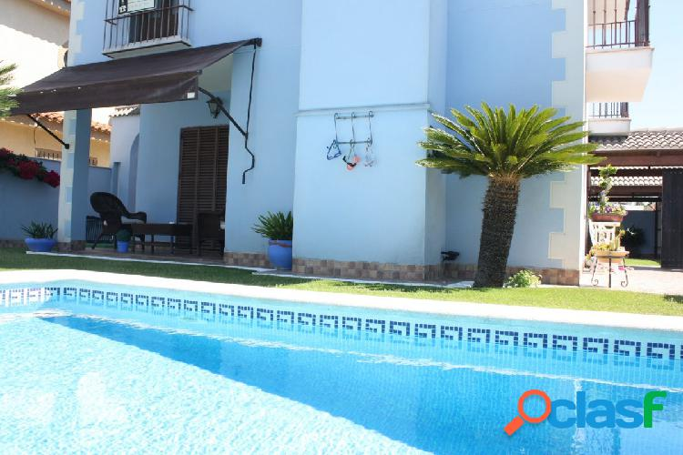 CHALET INDEPENDIENTE CON PISCINA PROPIA