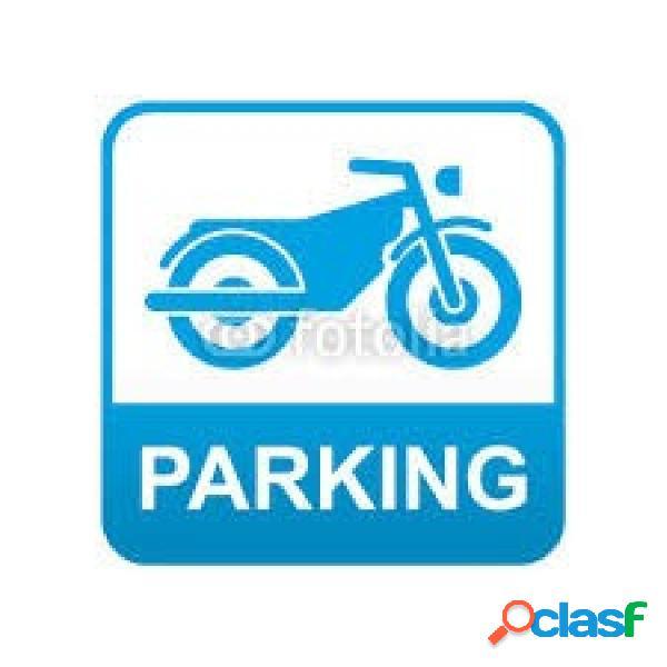 Capacidad para dos motos en Rambla Francesc Macia por 30