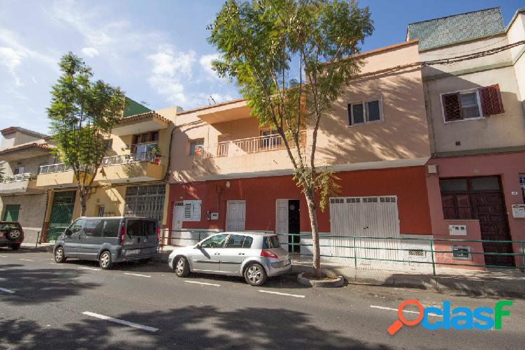 Casa Terrera en Avenida Venezuela Güimar