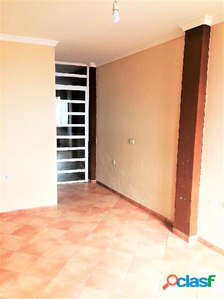 Casa adosada de 2 plantas más azotea