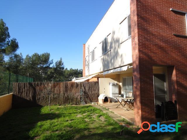 Casa amb jardí de 100 m² y terrassa de 90 m²!