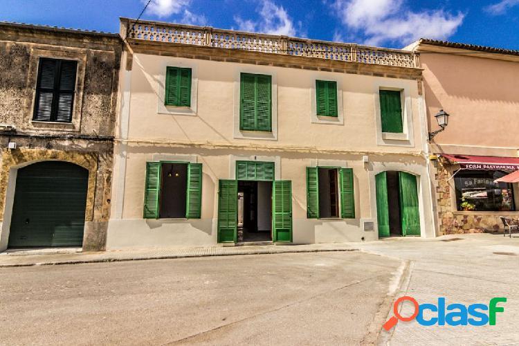 Casa con carácter mallorquín en el pueblo de Ses Salines