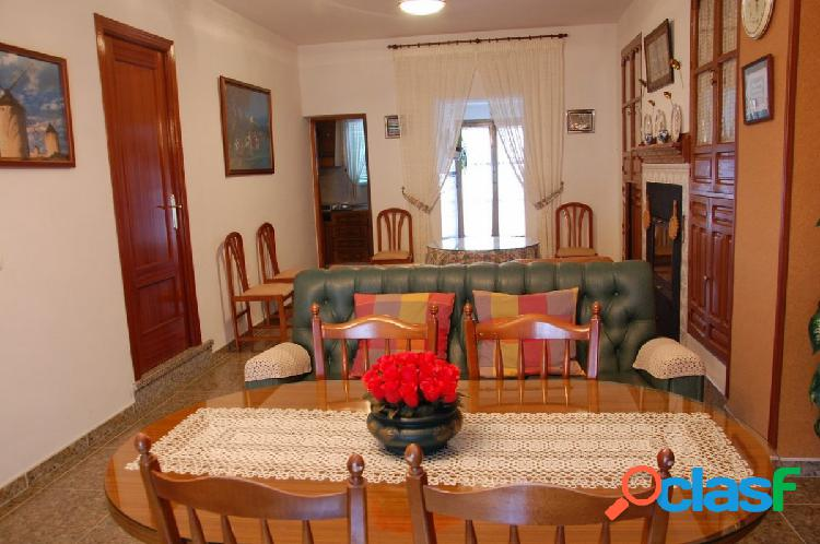 Casa de Pueblo con Parcela en Diezma