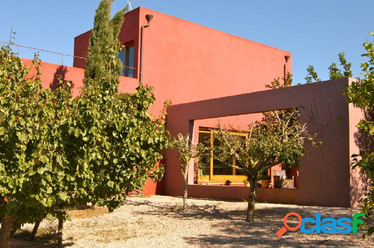 Casa de diseño moderno en Campos.