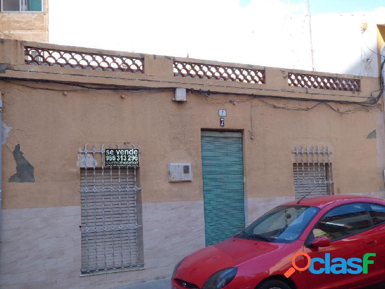 Casa de planta baja, zona Cruz de los Caidos, 120 m2, 3