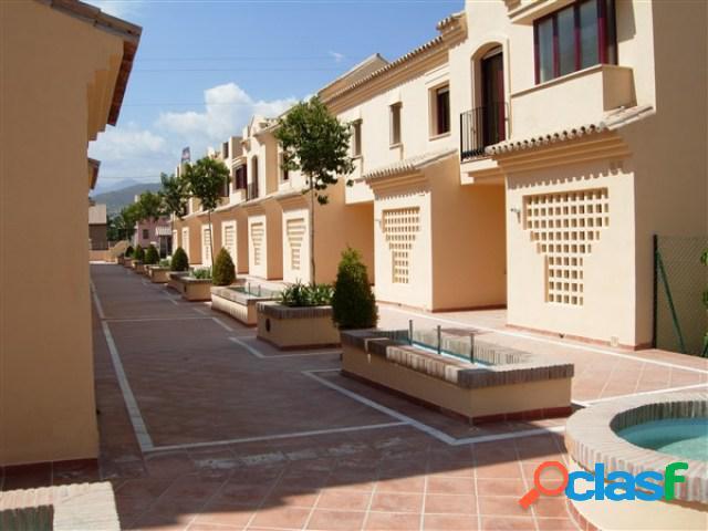 Casa de pueblo en Venta en Nueva Andalucia Málaga