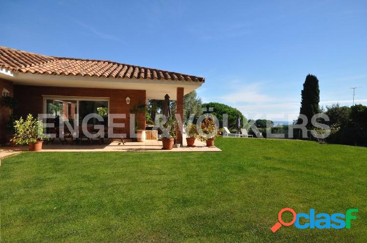 Casa en Rocaferrera con magníficas vistas.