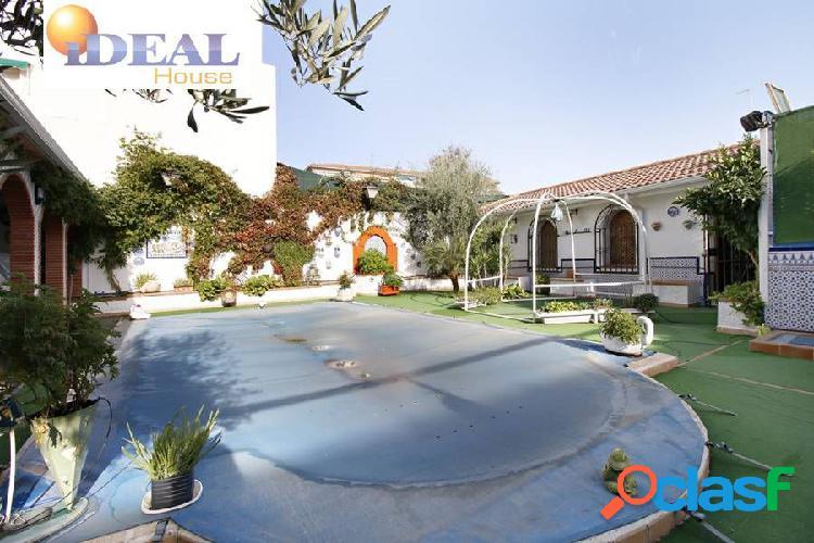 Casa en el centro de Armilla de 4 dormitorios, 2 terraza,s 2