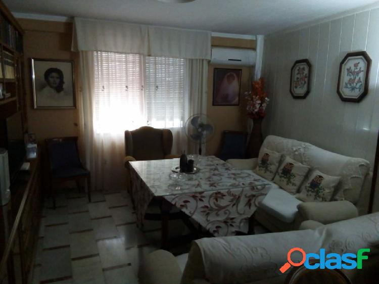 ¡¡Casa en la Avenida de Cádiz!!