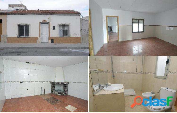 Casa en venta en Calle PRIMERO DE MAYO, Benejúzar