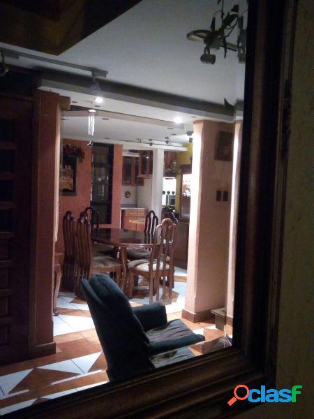 Casa en venta, excelente ubicación dentro de Utatlan 1