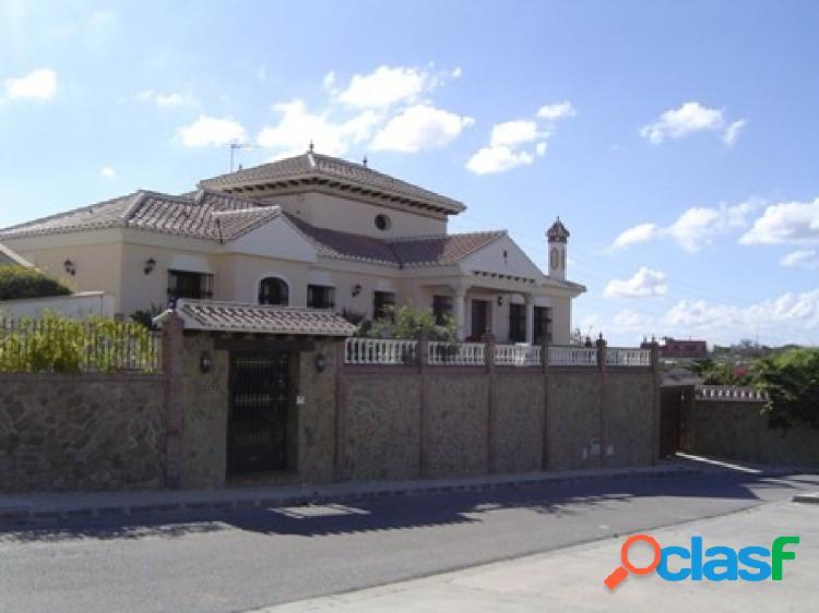 Chalet Independiente en Casa de la Viña de Torre del Mar