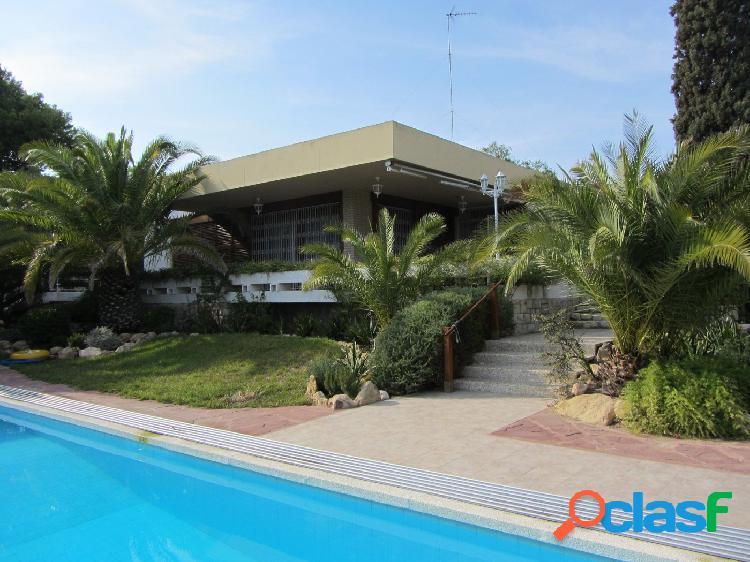 Chalet en venta en Alicante, zona Vistahermosa
