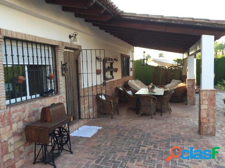 Chalet independiente en venta en La Cañada