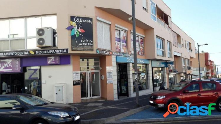 Céntrica oficina en San Isidro.
