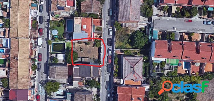 Céntrico solar en Ogíjares para edificación de viviendas