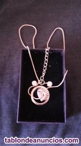Conjunto de collar y pendientes de swarovski