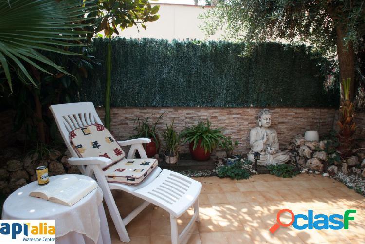 Disfruta de una casa adosada en el centro de Vilassar de Mar
