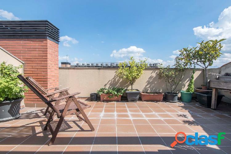 Dúplex Impecable con dos terrazas !!