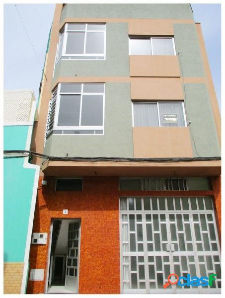 EDIFICIO con dos viviendas independiente mas Local Comercial