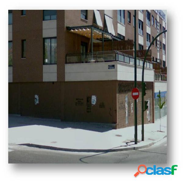 ESTUPENDO LOCAL EN BRUTO EN ZONA FUENCARRAL, MADRID.