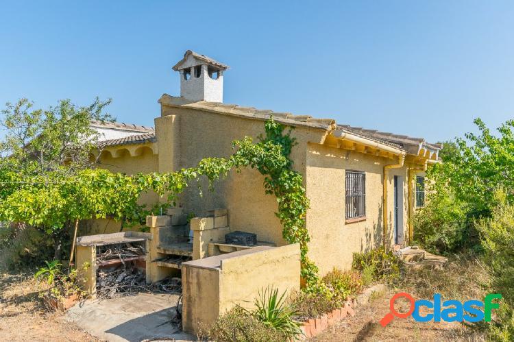 EXCLUSIVA: Ref. 03577 - Casa de campo con piscina y pista de
