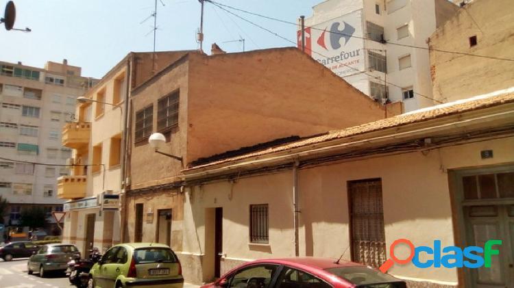 Edificio de 2 plantas en Los Ángeles - Alicante