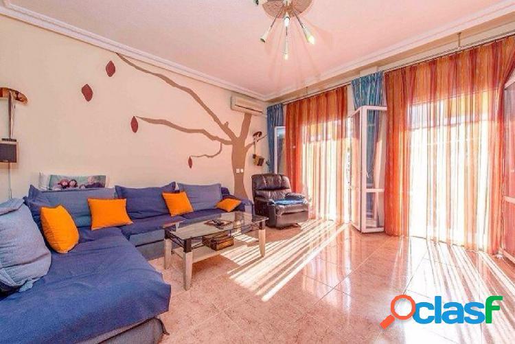 Elegante casa adosada con 4 habitaciones en Aguas Nuevas,